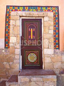 Maroccans house door with decorations - MeusPhoto